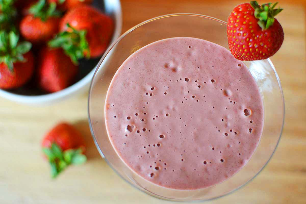 From Jallab to Almonds: 7 Best Summer Smoothies