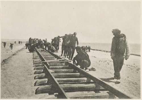 Laying the Hejaz railroad tracks near Tabuk, 1906