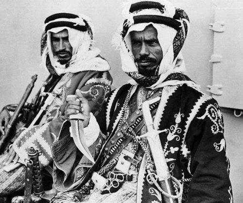 entourageofKingIbnSaudofSaudiArabia1945